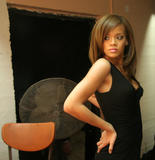 http://img121.imagevenue.com/loc1191/th_46453_100_post_Rihanna_Video_Shoot_For_Unfaithful_Day_2_013_123_1191lo.jpg