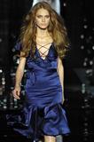 th_86891_celebrity_city_Julien_Macdonald_London_Fashion_Show_21_123_508lo.jpg