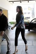 http://img121.imagevenue.com/loc534/th_927213282_Mandy_Moore_going_to_a_meeting5_122_534lo.JPG