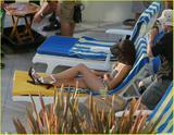 Kristen Bell - Bikini Candids Filming ?Forgetting Sarah Marshall? Foto 174 (������� ���� - Bikini Candids ������? Forgetting Sarah Marshall? ���� 174)