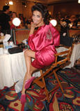 th_21108_fashiongallery_VSShow08_Backstage_AdrianaLima-35_122_833lo.jpg