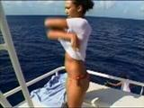 http://img121.imagevenue.com/loc229/th_368_Jessica_Alba__MTV_Diary__Bikini_on_Boat_0001.jpg